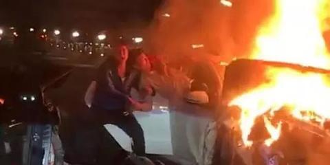 南昌3车相撞致1死 火光冲天现场惨烈