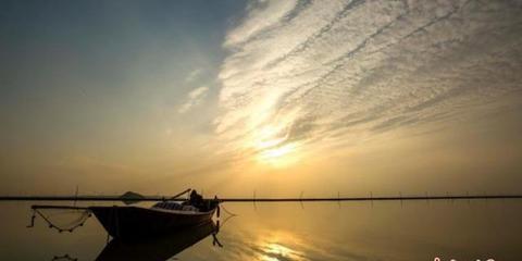 """鄱阳湖""""发福""""呈现烟波浩渺景象"""