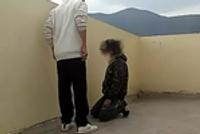 小学生被多名同学轮着暴打踢头 多次下跪求饶