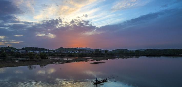 江西仙女湖今成爱情圣地(图)