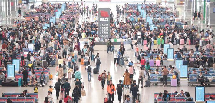 南昌车站迎来国庆返程客流高峰