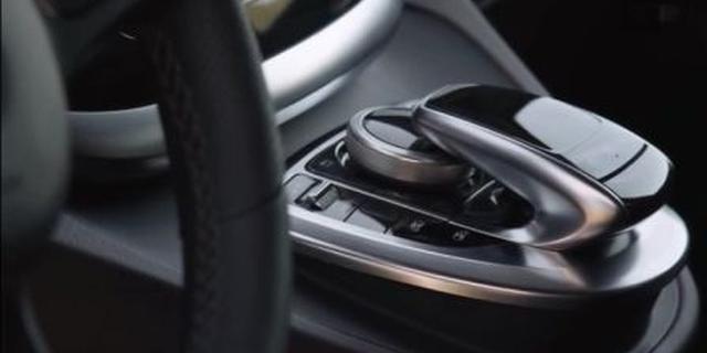 视频:奔驰v260l尊贵加长版内饰升级