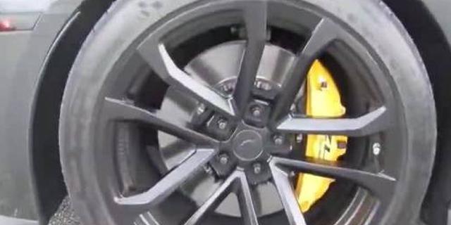 视频:雪佛兰ZL1 VS 福特野马GT500