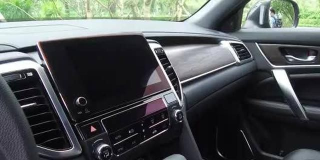 视频:中级SUV又一个搅局者,试驾东风本田UR-V