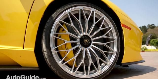 视频:2017 Lamborghini Aventador S