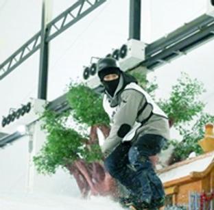 三伏天来冠翔体验酷爽冰雪