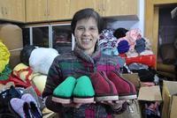 杭州有位棉鞋奶奶 14年组织姐妹做了四千双爱心鞋
