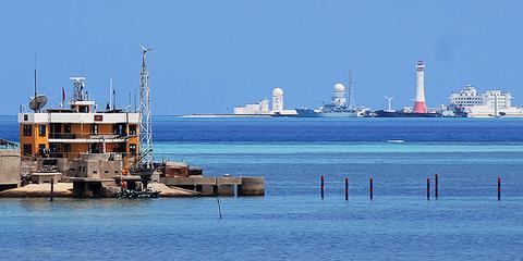 越南人镜头下的赤瓜岛:比越占礁盘大得多