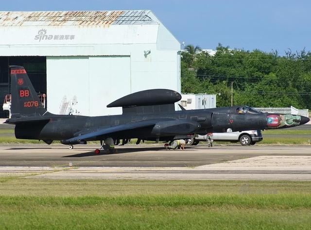 美军高空侦察机罕见现身地中海