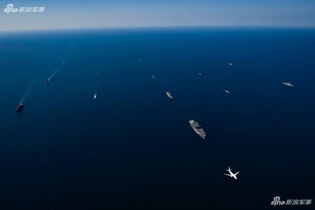 美军舰队在俄家门口耀武扬威