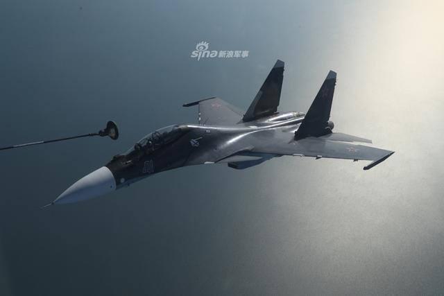俄黑海舰队苏30与苏24编队训练