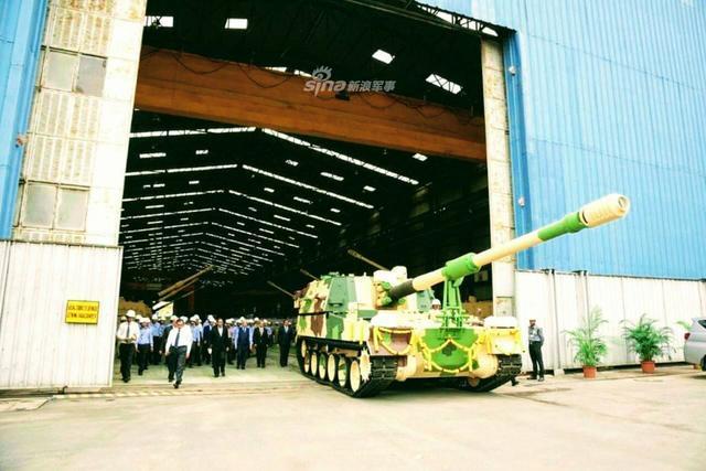 印度组装首批K9自行榴弹炮下线
