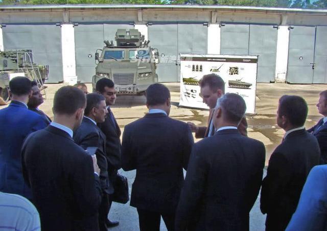 印度组团赴乌克兰参观新款战车