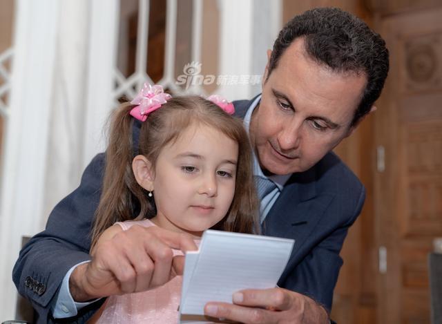 叙总统阿萨德慰问阵亡俄军家属