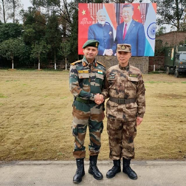 中印陆军联合反恐训练有板有眼