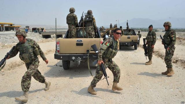 阿富汗军歼灭300多塔利班分子