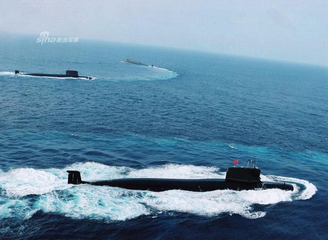 中国093B、094A核潜艇同框