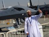 土豪都忍不住自拍!中国多款军机闪耀迪拜航展