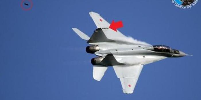 俄航展不太顺:苏57弹舱出现缝隙 米格35蒙皮又脱落