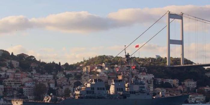 美军神盾舰进入黑海 俄出动3艘舰艇跟踪监视(图)