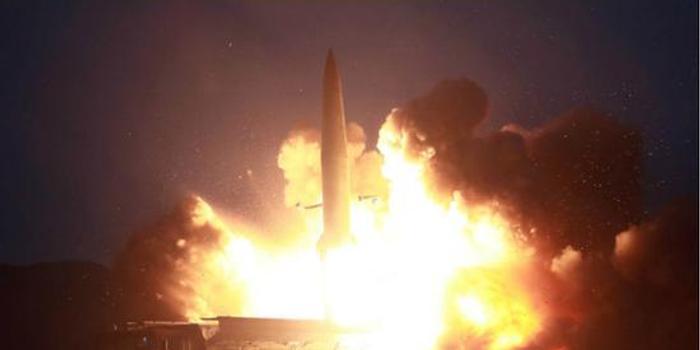 朝鮮罕見公布新型導彈擊中目標瞬間:碎石飛濺(圖)