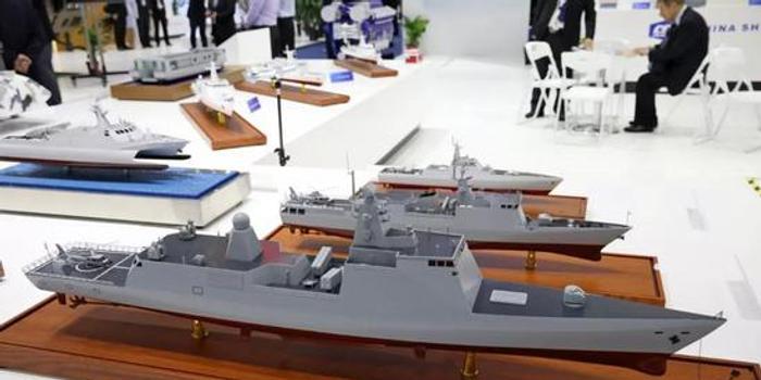 中国双体变形船曝光 没气垫也能载坦克海上飞驰(图)