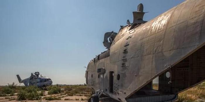 中国一直渴望拥有俄空中巨兽被弃野外 拆得只剩骨架