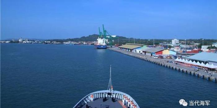 中国海军远洋训练舰戚继光舰抵达文莱访问(图)