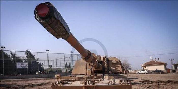 土耳其继续向叙利亚增派大批坦克重炮(图)