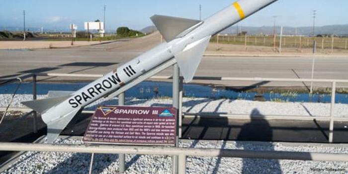 这款美制导弹曾开创超视距空战 中国也有其衍生型号