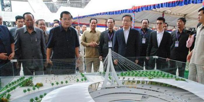 柬埔寨首相:已从中国购买一批新武器来增强军力