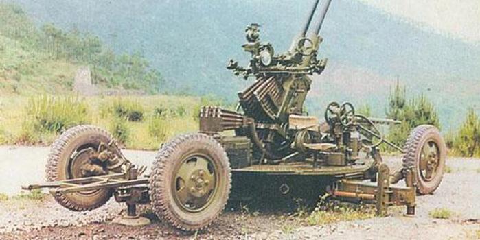 中国重装旅防空能力如何:射程还不够 配合有问题