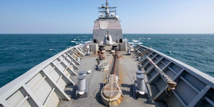 美军官:战舰穿越台湾海峡时遭中方舰机监视