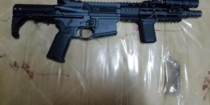 香港警方查获的枪支曝光 4支全从美国邮寄到港(图)