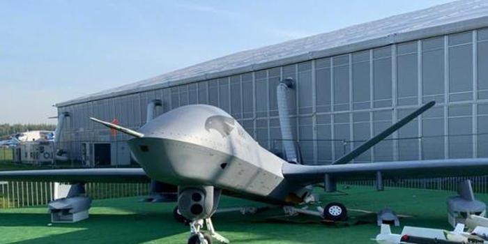 中国翼龙2无人机在国外参加航展竟遭严重破坏(图)