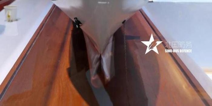 中国071E登陆舰舱室结构曝光:装载能力超出想象(图)