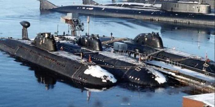 3巡洋舰33核潜艇 俄北方舰队倾巢出动能否打赢英海军