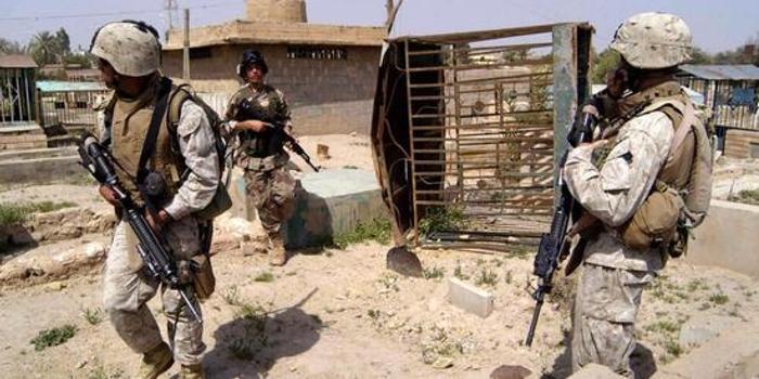 美军驻伊拉克北部空军基地遭炮击 外媒:无人伤亡