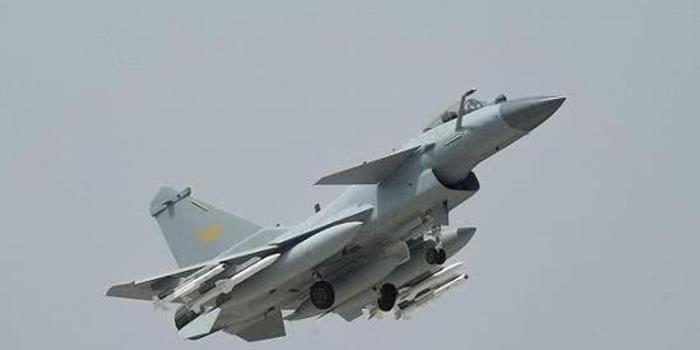 我军歼10C和空警500赴泰国空战演练 将迎战鹰狮战机