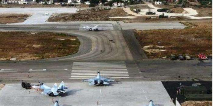 叙利亚极端组织发射6枚火箭弹 攻击俄驻叙空军基地
