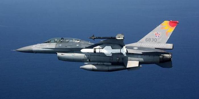 蔡英文当局被嘲讽又当冤大头 买F16战机竟比F35还贵