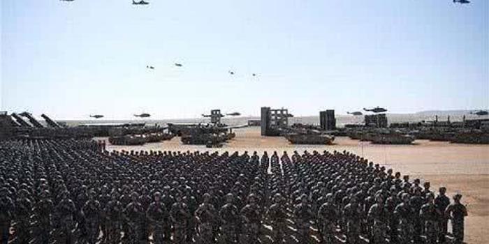 2019军事排行_庆祝中国人民解放军建军90周年阅兵 受阅部队整装待阅