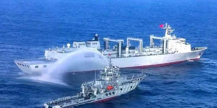 中国舰队远海演练 航母补给舰训练损管意味什么(图)