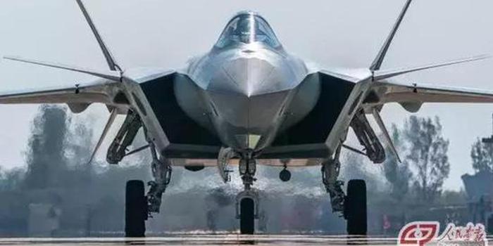 战机取消减速板很难?歼20轻松做到且效果比F22更好
