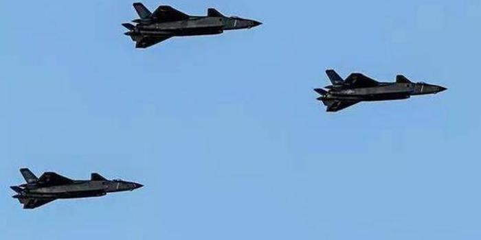 参加阅兵12个空中梯队超160架战机在华北各机场待飞