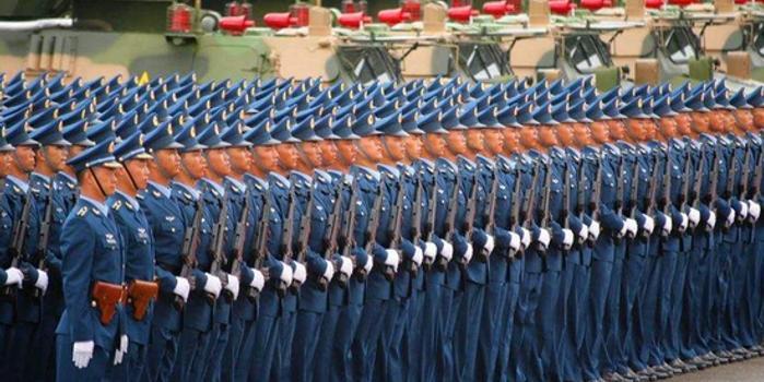 中國軍方回應如何應對香港形勢:看這條駐軍法