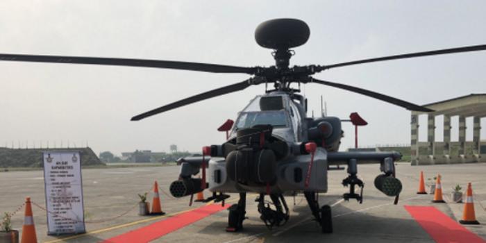 印度首批8架阿帕奇直升机服役 距印巴边界仅20公里