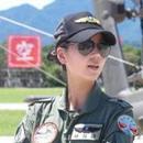 臺阿帕奇武直部隊女飛行員成焦點 曾是選美明星(圖)