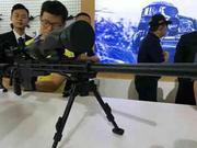 我国产高精度狙击步枪亮相珠海 射击精度好后坐力小