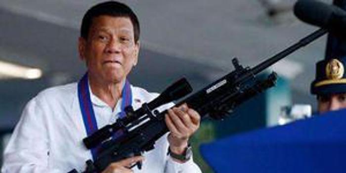 杜特尔特:望美立即将舰队派中国门前 带上批评我的人